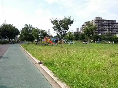 さいたま市番場公園芝生広場